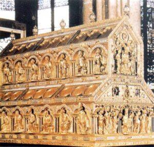 figura 158 - Il reliquario dei tre Re Magi. Cattedrale di Colonia (Germania)