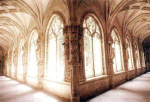 figura 166 - Connettiva. Chiostro basso. S. Giovanni dei Re. Toledo. (Spagna)
