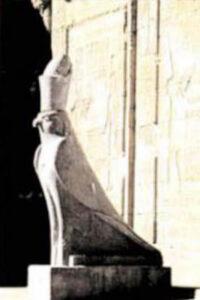 Statua tolomeica di Horus. Edfu (Egitto)